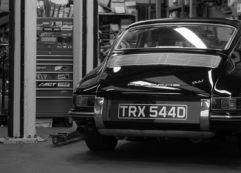 Porsche servicing for air-cooled and water-cooled models in Oxfordshire